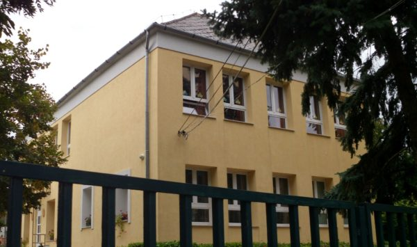 Suli körkép: Kis-forrás Német Nemzetiségi Általános Iskola, Perbál