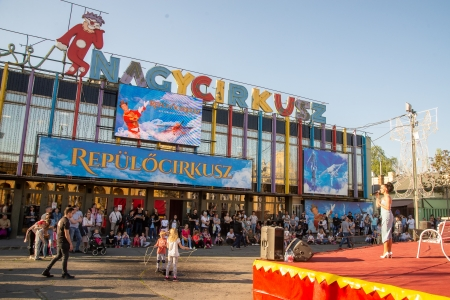 Cirkusz világnapja 2019: jó hatással van az iskolai teljesítményre a cirkuszi mutatványok gyakorlása